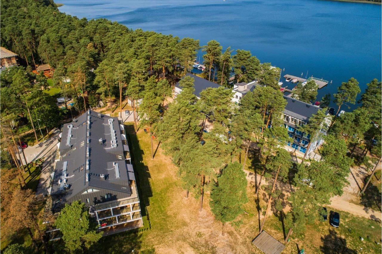 https://apartamentymarinaborki.pl/wp-content/uploads/2021/07/apartamenty-marina-borki-necko-1280x852.jpg